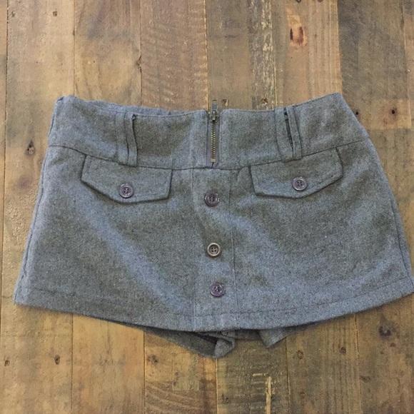 Tweed skirt/shorts